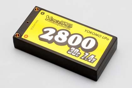 YOKOMO製のバッテリーLipoの2800ma/hですね。ちょっと高いけどちっちゃいので買いました。